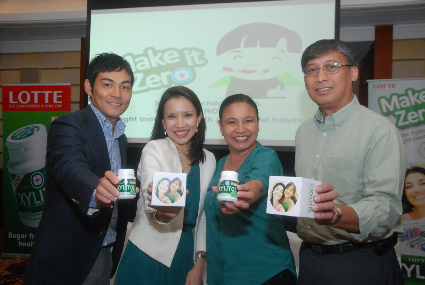 Lotte Xylitol Aims for Zero Cavities. Photo shows Soi Kitaguchi GM of Lotte Confectionery Pilipinas Corp, Dr. Fina Lopez, Therese Reyes of Lotte and Dr. Angelo Fernandez.
