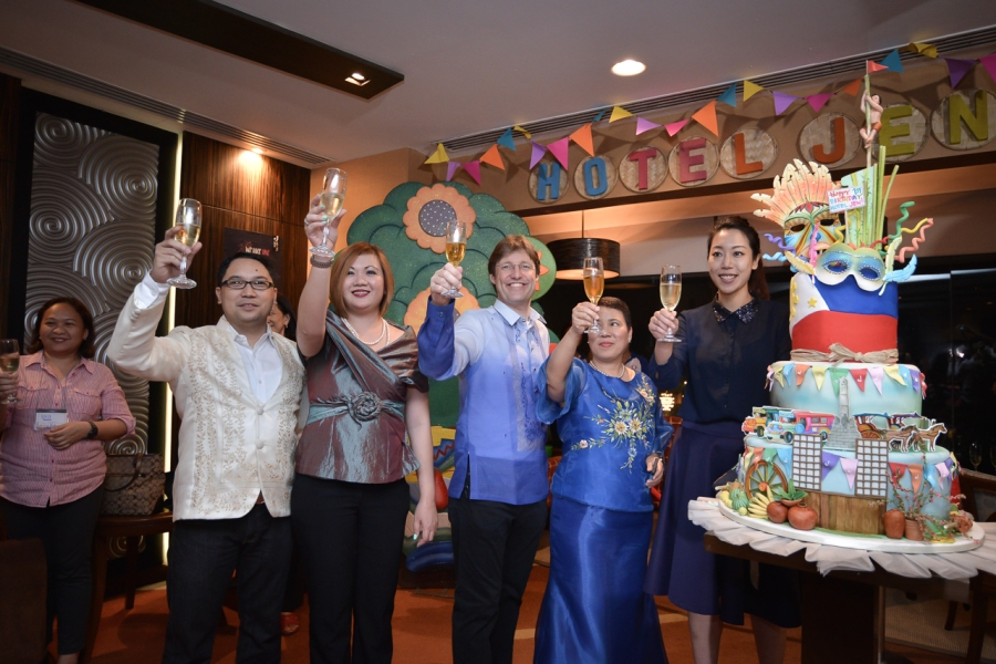 (L-R) Dir. of Human Resources, Mr. Don Bazar, Dir. of Sales & Marketing, Ms. Meegee Yap, General Manager, Mr. Ed Kollmer, Dir. of Operations, Ms. Frencie Duadua and Hotel Jen's Social Media Specialist, Ms. June Ng shared a toast to everyone for Hotel Jen's one year anniversary.