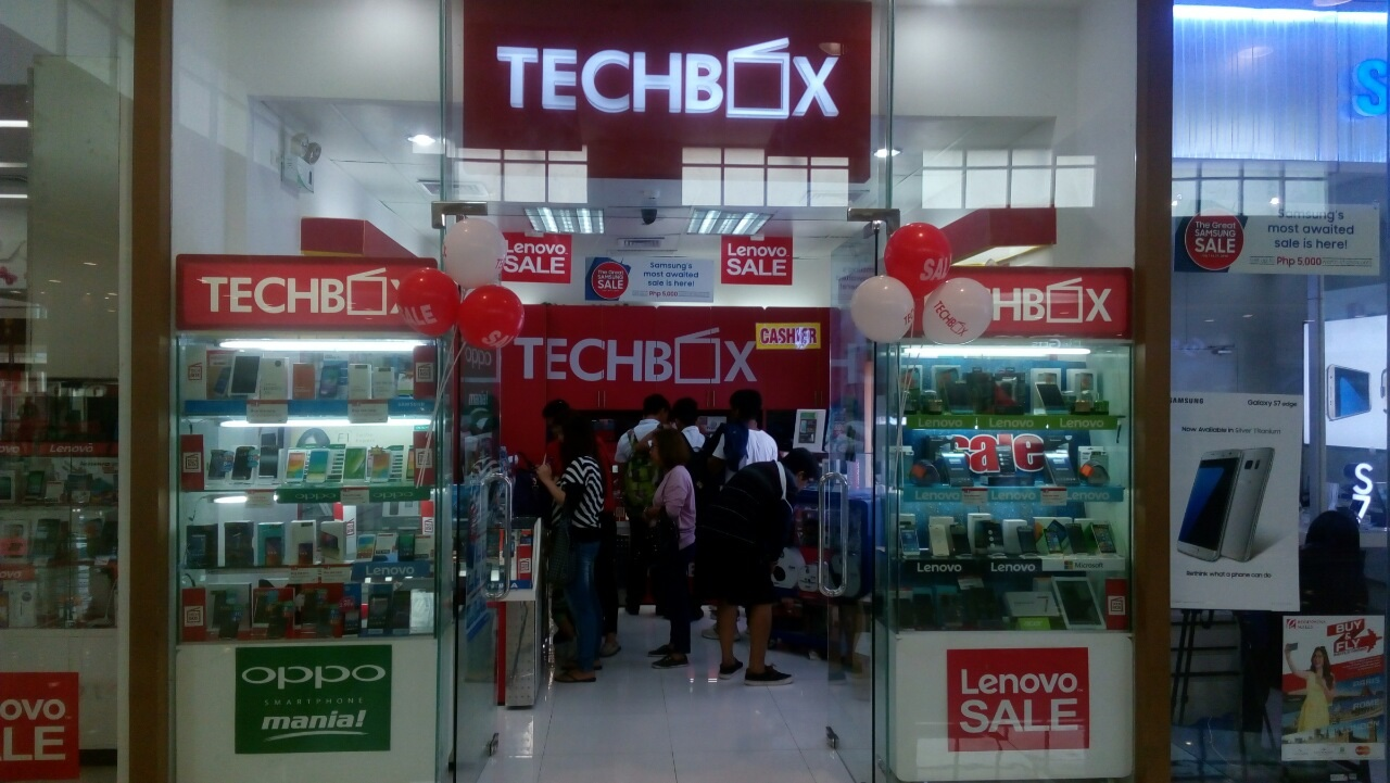 Gadget aficionados stop by TechBox Robinsons Antipolo to check out the latest gadgets on sale, with discounted prices starting at Php25