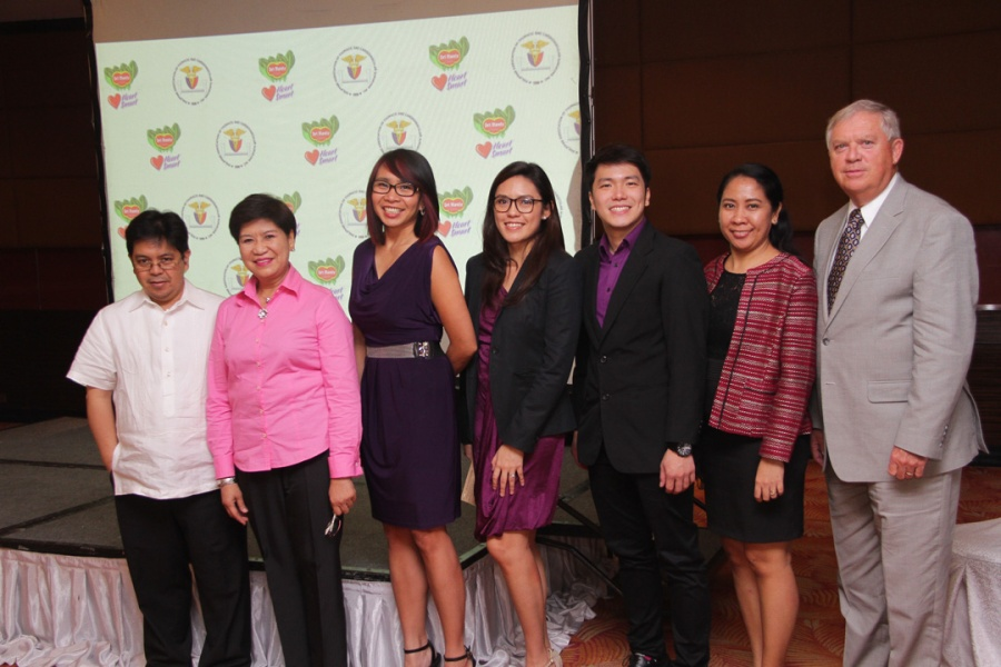 JOINT EFFORTS AGAINST BAD CHOLESTEROL  Del Monte Philippines Inc hosted on July 8 a symposium on the management of rising bad cholesterol levels among Filipinos. The symposium took place during the 56th Foundation Day of Del Monte's partner, the Philippine Association of Thoracic and Cardiovascular Surgeons' (PATACSI). Among the symposium's speakers and panelists are (from left) Dr. Michael Baccay, PATACSI President; Dr. Imelda Angeles-Agdeppa, Assistant Scientist from the Department of Science and Technology's (DOST) Food and Nutrition Research Institute (FNRI); Clars Guerrero, Marketing Director for Del Monte Beverages and Fruits; Paula Ceña, Product Manager for Del Monte 100% Pineapple Juice; Benedict Ong, Assistant Product Manager for Del Monte 100% pineapple juice; Sheryl Sanchez-Mallo, Regulatory Affairs Scientist of Del Monte Research & Development Team; and David Peele, Avoca Inc. President.