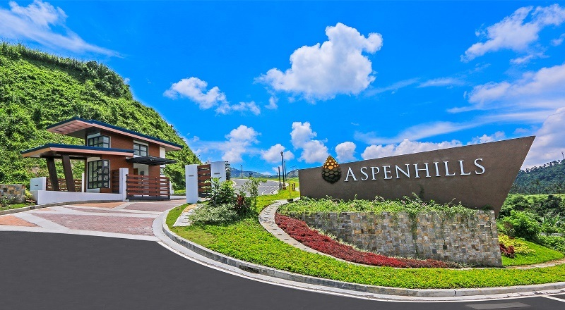Aspenhills is a hilltop development reminiscent of the rustic charm of Aspen in Colorado, offering scenic views of Laguna de Bay, Canlubang Valley and the mountains of Batangas and Laguna.