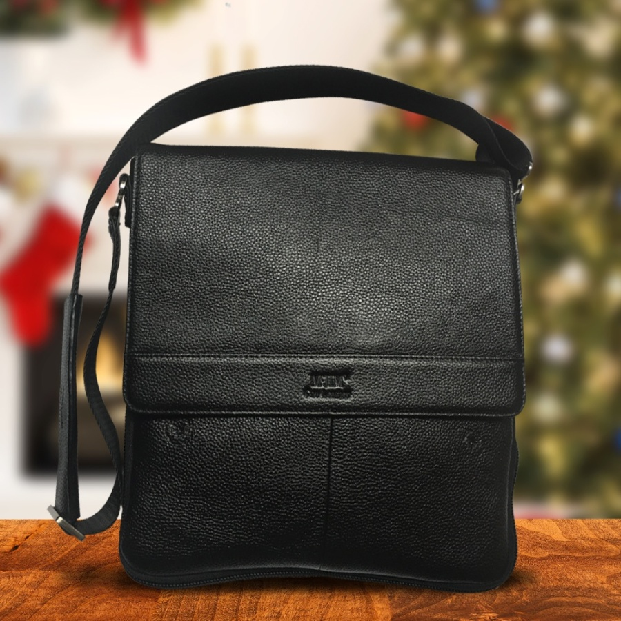 Useful, functional and stylish, a McJim Classic Leather bag is an ideal gift to give to your dad, boyfriend, husband, boss, or close friend.