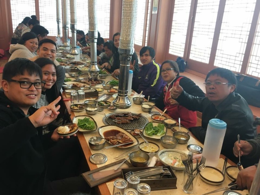 Jardine Distribution, Inc. (JDI) Jeju Island incentive trip participants enjoy delicious Korean cuisine.