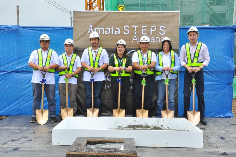 (From L-R) MDC BuildPlus project-in-charge Venn Joseph Aranas, MDC BuildPlus Metro Manila Operation Center head Augusto Baet, MDC BuildPlus area manager Royce Regala, Amaia project development manager Cybill Samillano, Amaia technical unit manager Vic Katigbak, Amaia senior project sales officer Chay Viray and Amaia sales director Mike Nuqui during the Amaia Steps Alabang topping off ceremony.